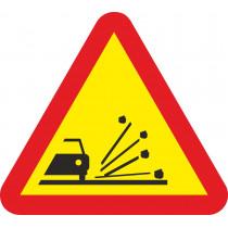 Señal Vial Metálica Proyección de Gravilla Lado 700 mm